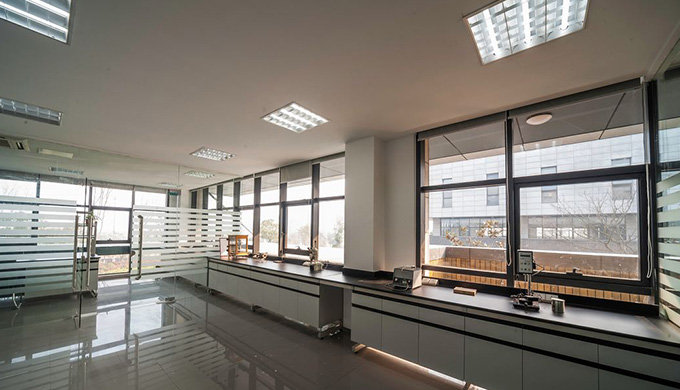 办公室窗户设计的采光影响