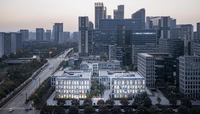 上海徐家汇办公楼找哪家装修公司性价比高?