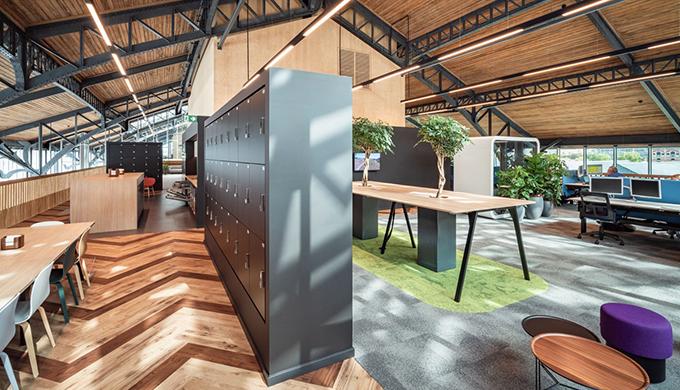 上海办公室装修结构木材水曲柳