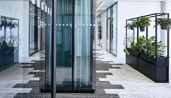 上海办公室装修公司安装金属龙骨骨架的注意事项