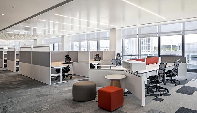 上海办公室装修公司绘制典型的工作隔间平面布局